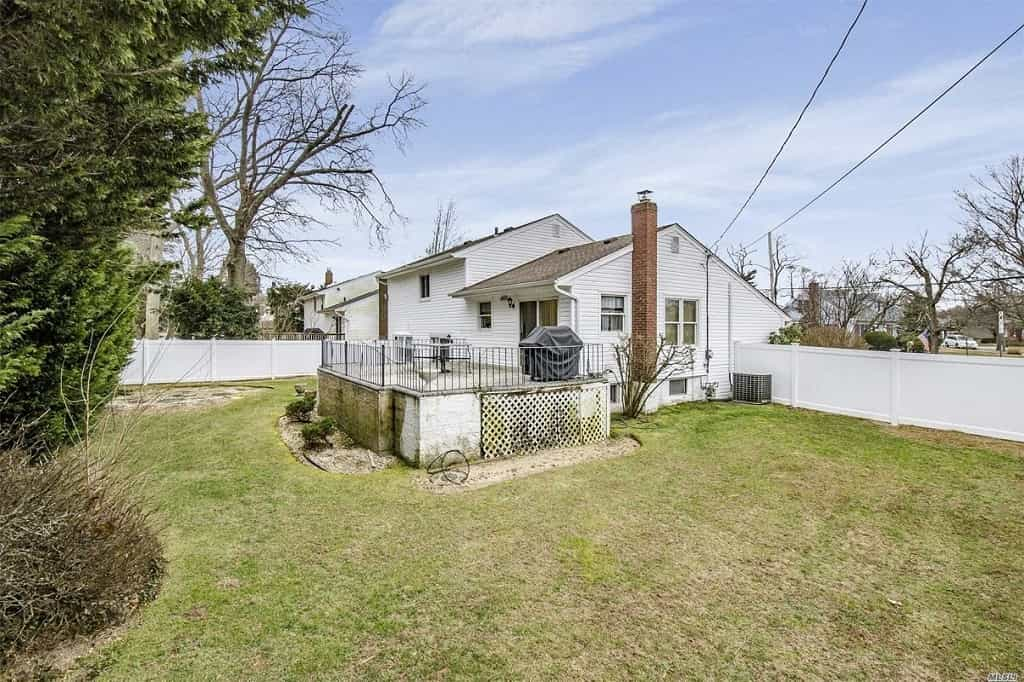 Samuel Realty Group | 1573 Cornelius Avenue, Wantagh, NY 11793