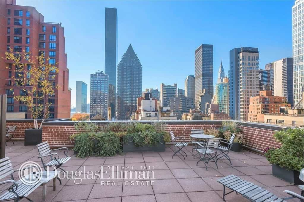 345 East 52nd Street, Apt 4A, New York