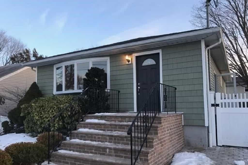 Samuel Realty Group | 39 Wendell Street, Plainview, NY 11803