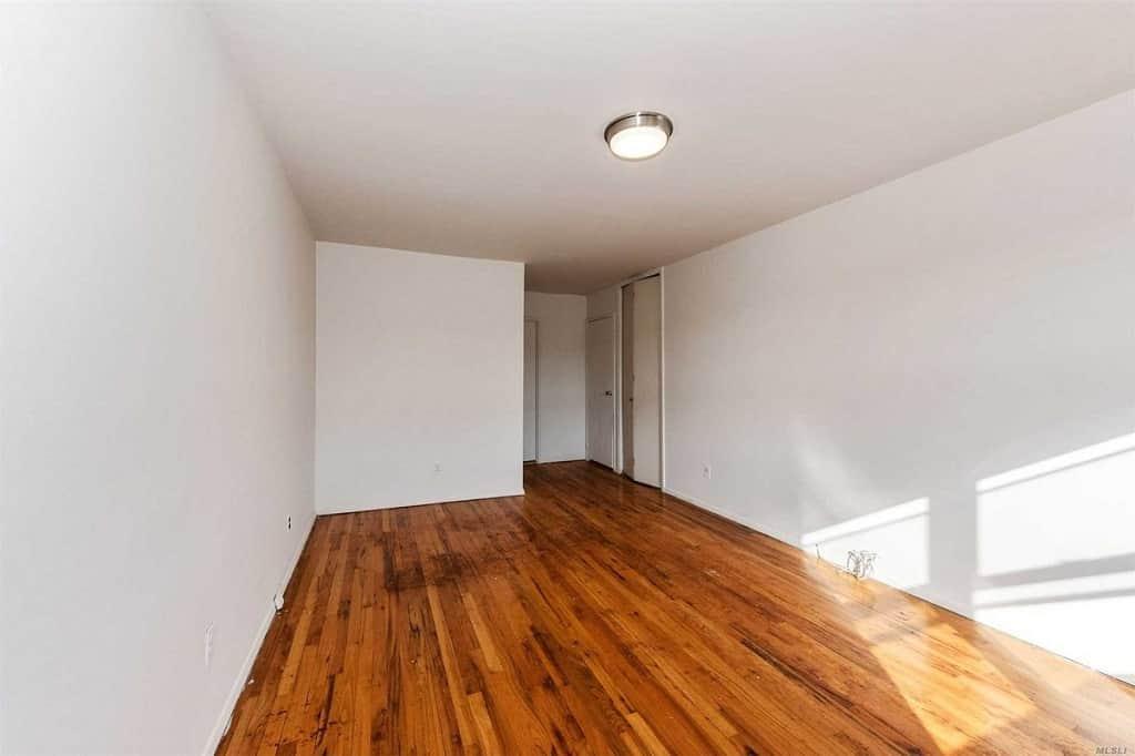 Samuel Realty Group | 55 Hampton Place, Apt 19G, Freeport, NY 11520