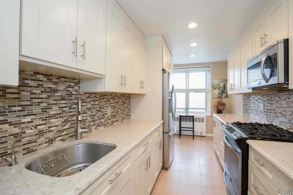 Samuel Realty Group | 211-40 18th Avenue, Apt 5C, Bayside, NY 11360
