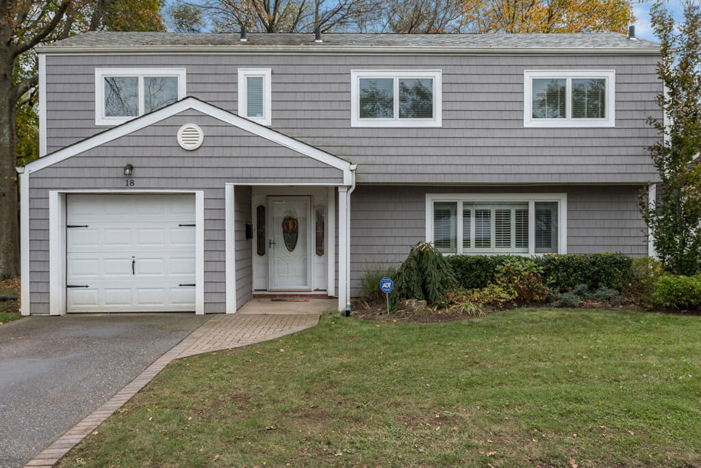 18 Elaine Place, Plainview, New York | Samuel Realty Group
