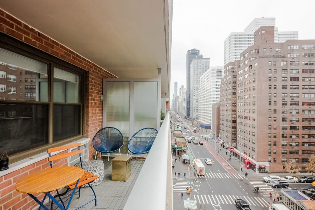 Samuel Realty Group | 300 East 71st Street, Apt 9L, Lenox Hill, NY 10021