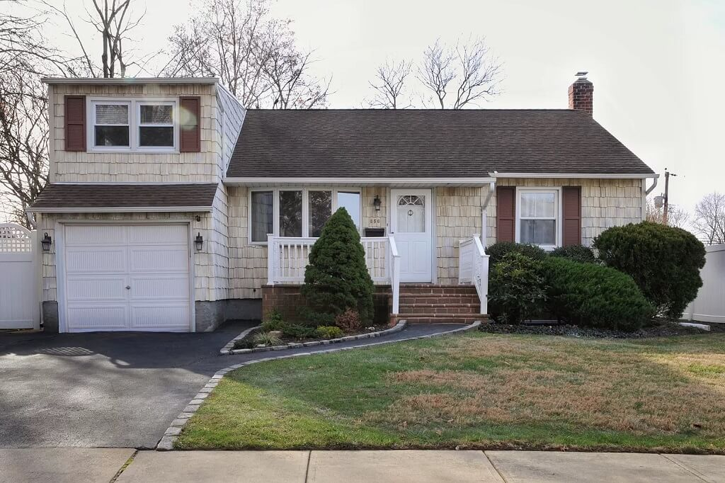 Samuel Realty Group | 656 Greenman Court, Seaford, NY 11783