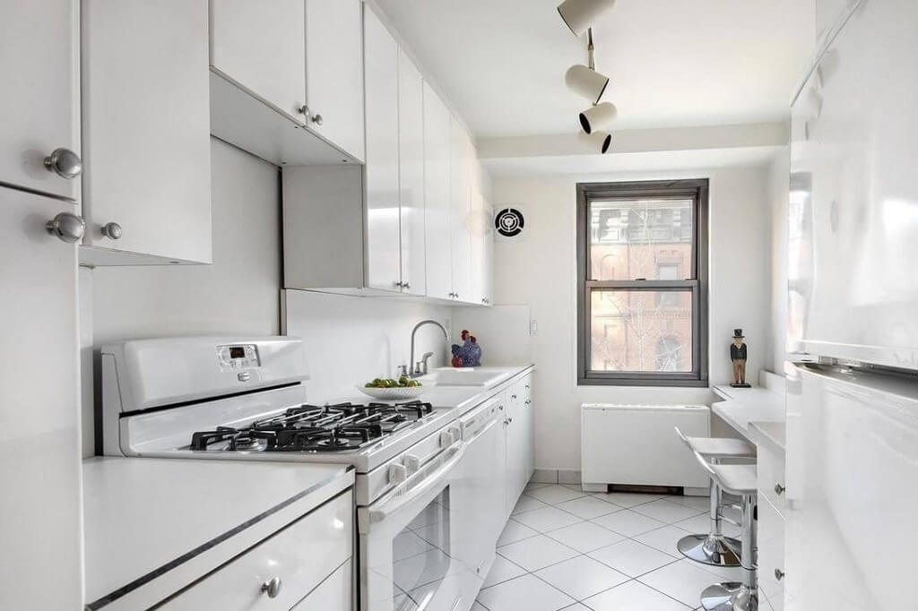 Samuel Realty Group | 500 East 83rd Street, Apt 6E, Yorkville, NY 10028