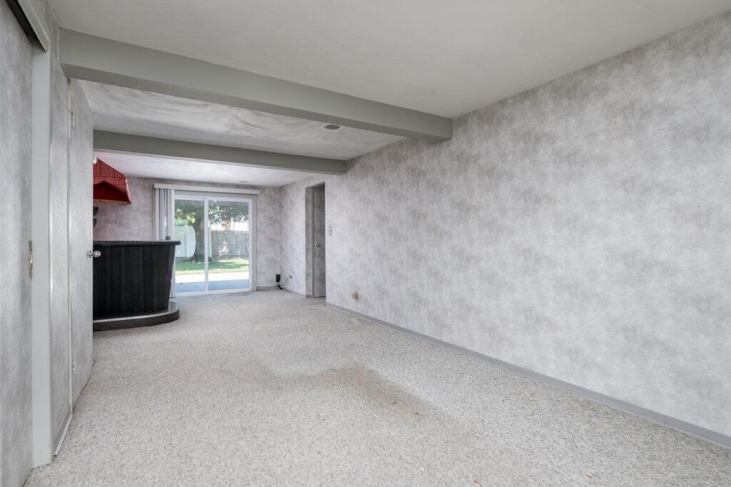 Samuel Realty Group | 14 De Chiaro Lane, Williston Park, NY 11596