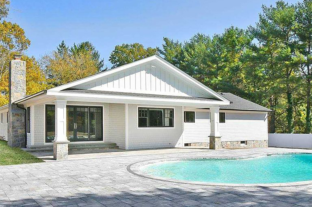 Samuel Realty Group | 3 High Pasture Circle, Dix Hills, NY 11746