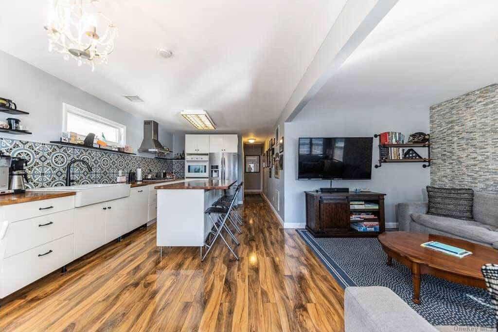 Samuel Realty Group | 100 Minnesota Avenue, Long Beach, NY 11561