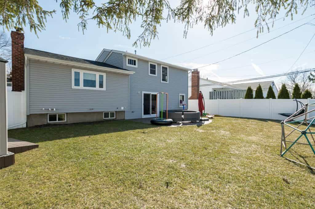 Samuel Realty Group | 11 Linda Lane, Plainview, NY 11803